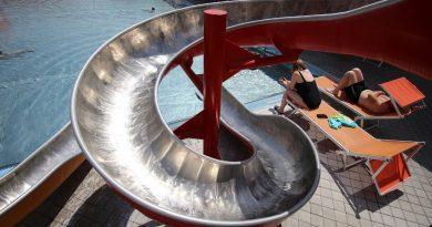 Outdoor-Kinderrutsche :: rote Rutsche | Sonnentherme Lutzmannsburg