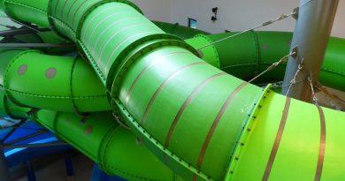 Reifenrutsche :: grüne Röhrenrutsche | Bambados Bamberg