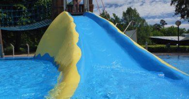 schöne Kinderrutsche | Badepark Wörth