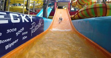 Breitrutsche :: Familienrutsche   Aquapalace Prag