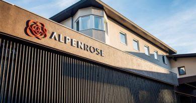 Das Hotel Alpenrose. Bild © Vanmey Photography