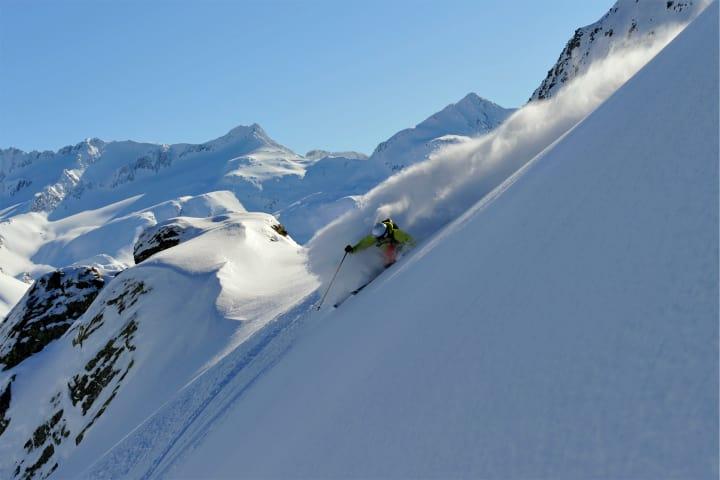 Skigebiet Andermatt. Bild: Christian Perret / Schweiz Tourismus