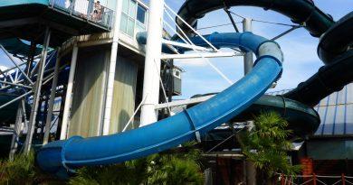 Aqualooping Turborutsche - Speed Slide   Aquaboulevard Paris