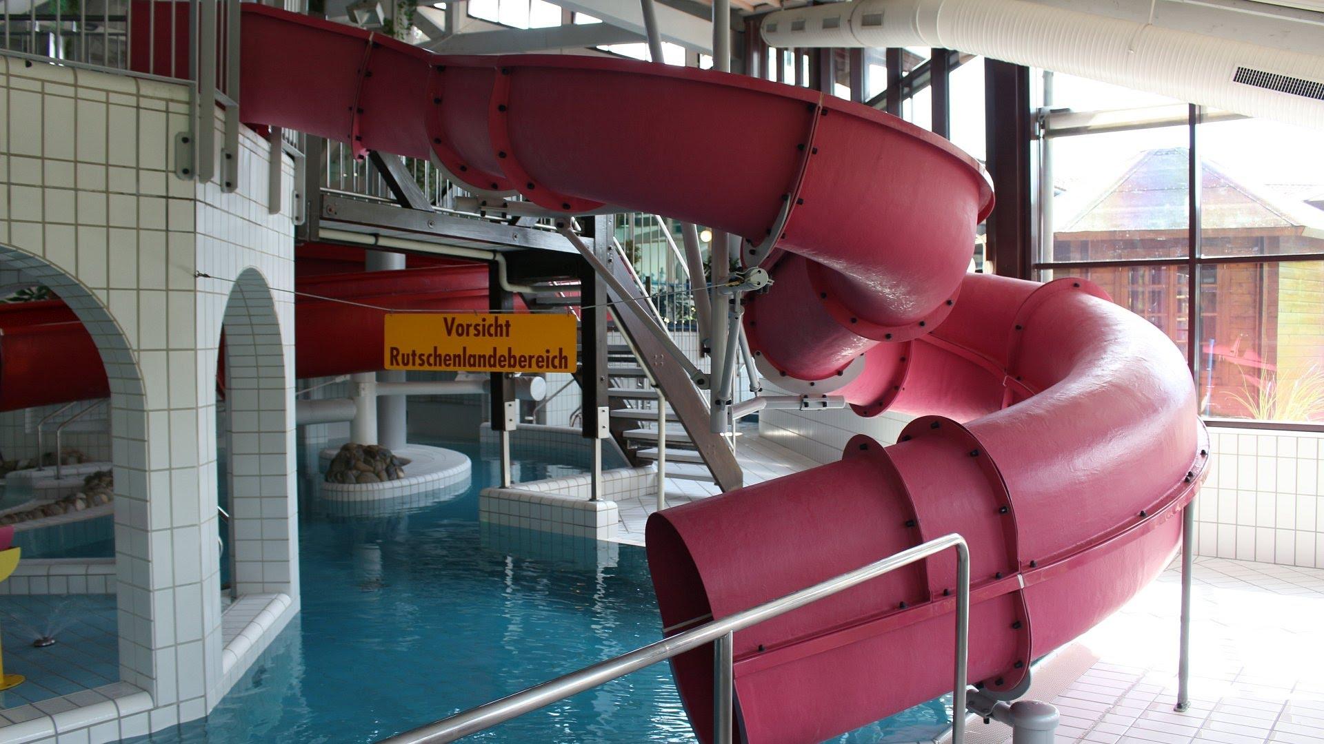 Atlantis Herzogenaurach - rosa Kinder-Rutsche Onride