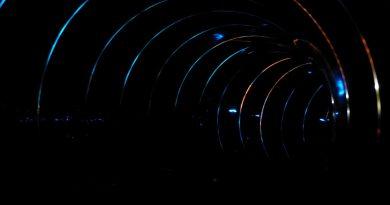 Black Hole mit bunten Effekten - Onride-Video | Titania Neusäß