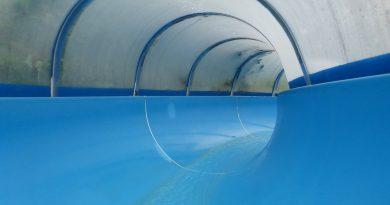 blaue Tunnelrutsche   Freizeitbad Prüm