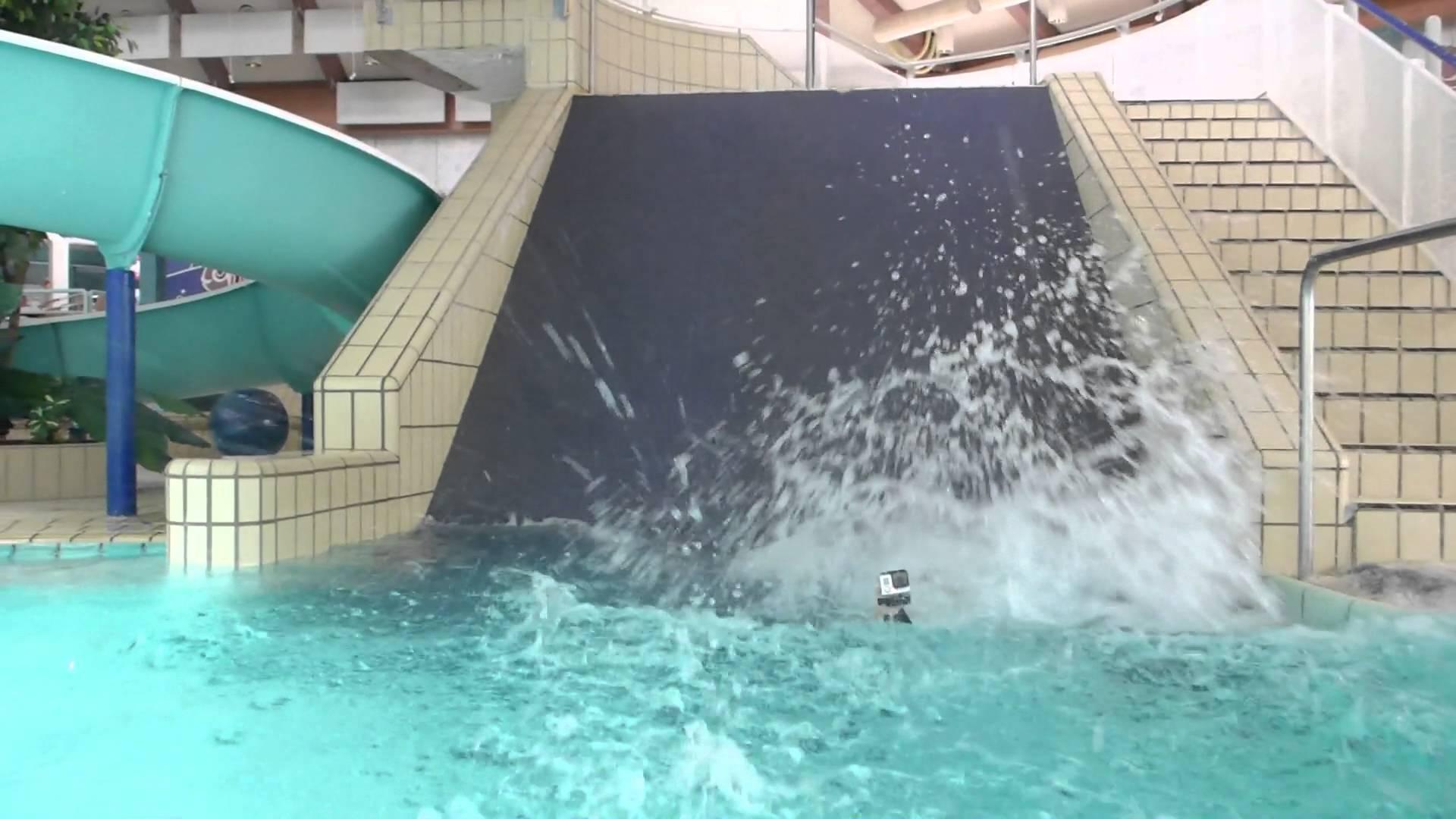 Breitrutsche :: Blue Steep Slide | Badepark Haßloch