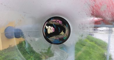 effektvolle Black Hole mit Glas-Elementen | Erlebnistherme Zillertal Fügen