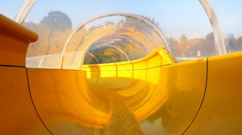 gelbe Tunnelrutsche :: Tunnel slide | aqua-sol Kempen