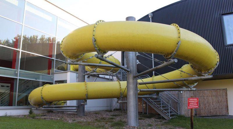 Oktopus Siegburg - gelbe Röhrenrutsche Onride