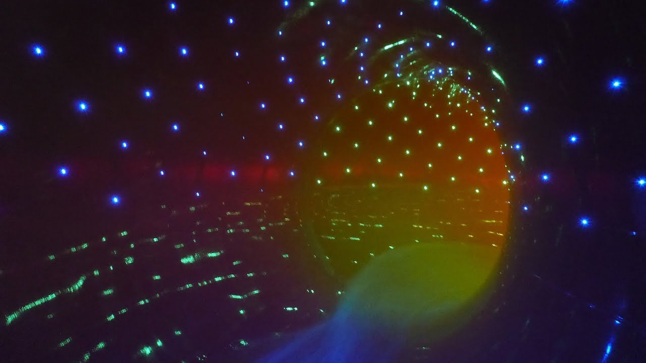 Black Hole :: Röhrenrutsche mit Licht-Effekten | Aquafit Waldmünchen