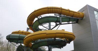 Aqua-Park Baunatal - Black Hole Röhrenrutsche Onride