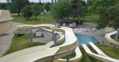 Freizeitpark Heidesee Forst - offene Riesen-Rutsche (links) Onride