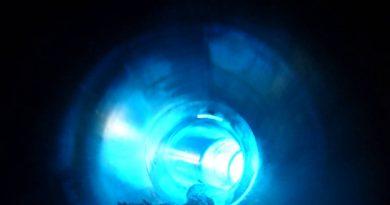 Georg Arnhold Bad Dresden - Black Hole Röhrenrutsche Onride