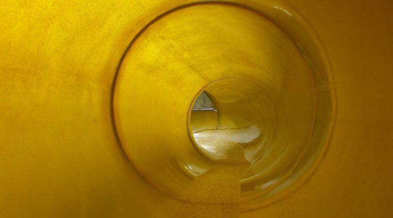 Natur Therme Templin - gelbe Röhrenrutsche Onride