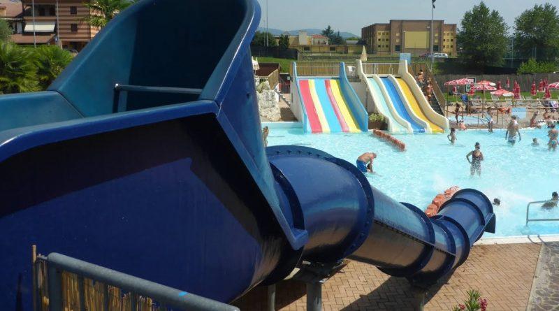 Blue Hole :: Kinder-Speedrutsche | Acquasplash Franciacorta Corte Franca