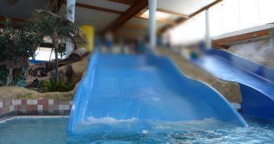 blaue Breit-Wellenrutsche | Arriba Norderstedt