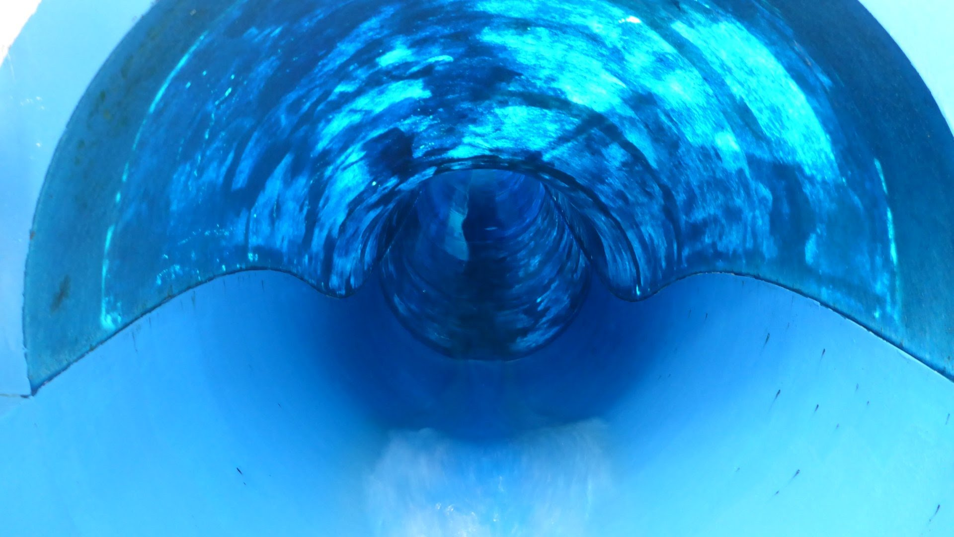 Blue Slide Aquaplouf Toboggan | Aquaboulevard Paris