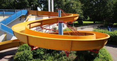 offene Riesenrutsche :: gelbe Freibadrutsche | Waldschwimmbad Mörfelden Mörfelden-Walldorf