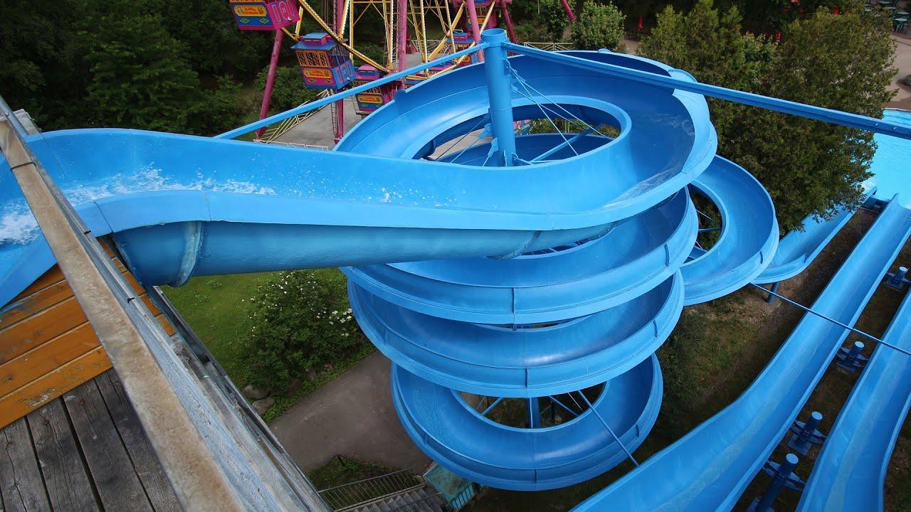 offene Riesenrutsche (links) :: Spiralrutsche | Ölands Djur och Nöjespark Färjestaden