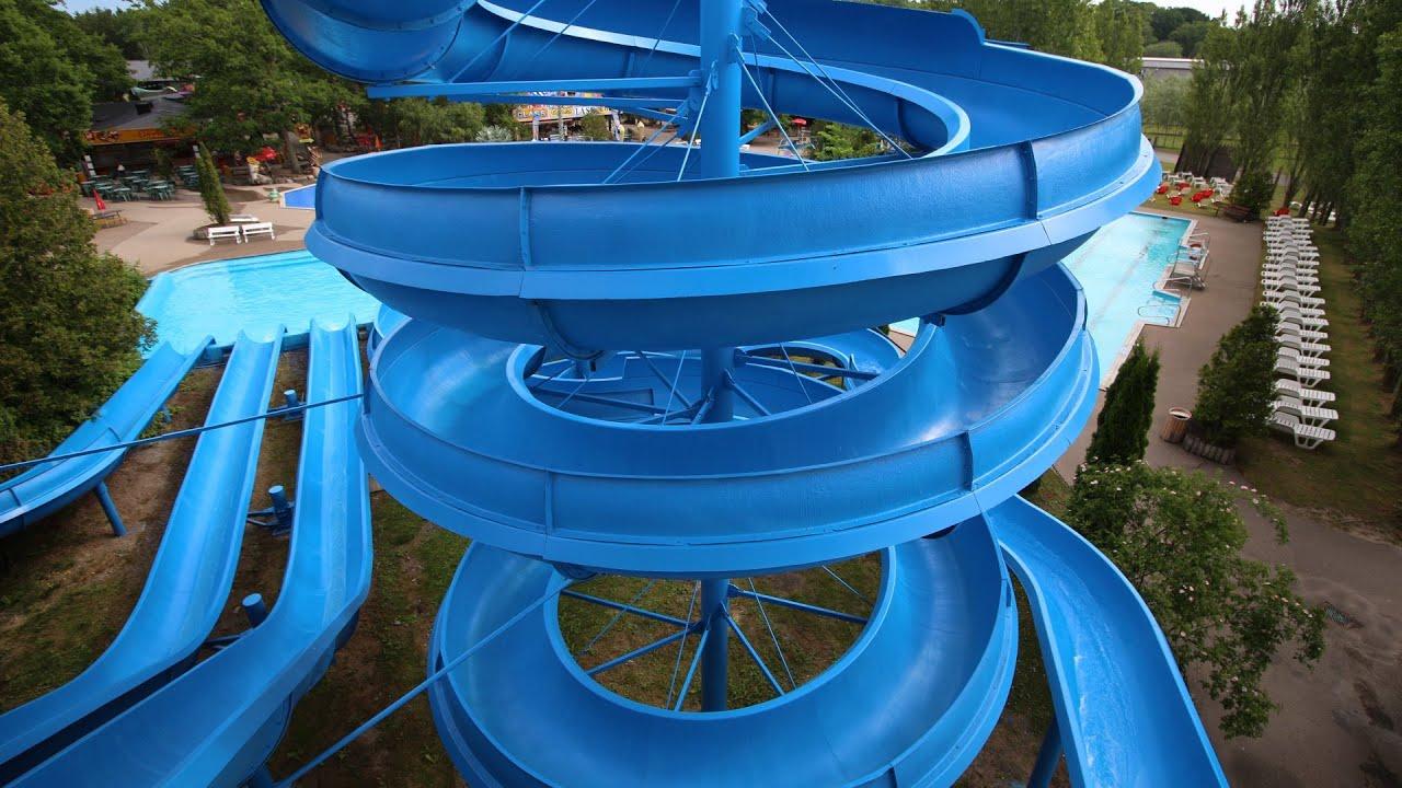 offene Riesenrutsche (rechts) :: Spiralrutsche   Ölands Djur och Nöjespark Färjestaden