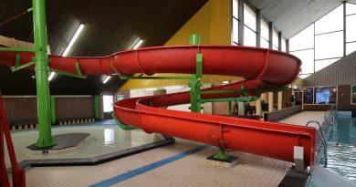 offene Riesenrutsche :: Indoor-Rutsche   Splesj Hoeven