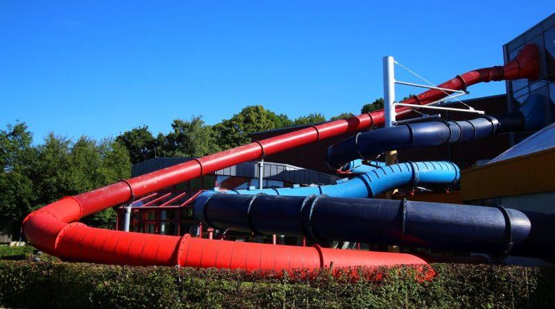 rote Turborutsche :: Speed-Rutsche | Freizeitbad Vegesack Bremen