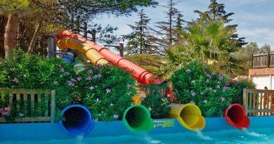Twister :: four Twisted Turbo Slides   Aqualand Fréjus