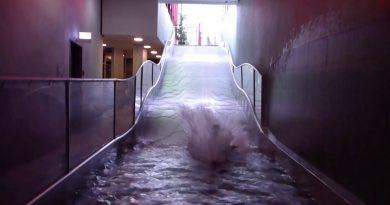 Breitrutsche :: Wellenrutsche   RupertusTherme Bad Reichenhall