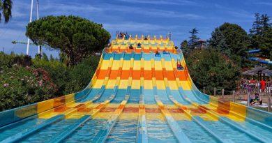 Surf Racer :: achtbahnige Mattenrutsche | Aqualand Fréjus