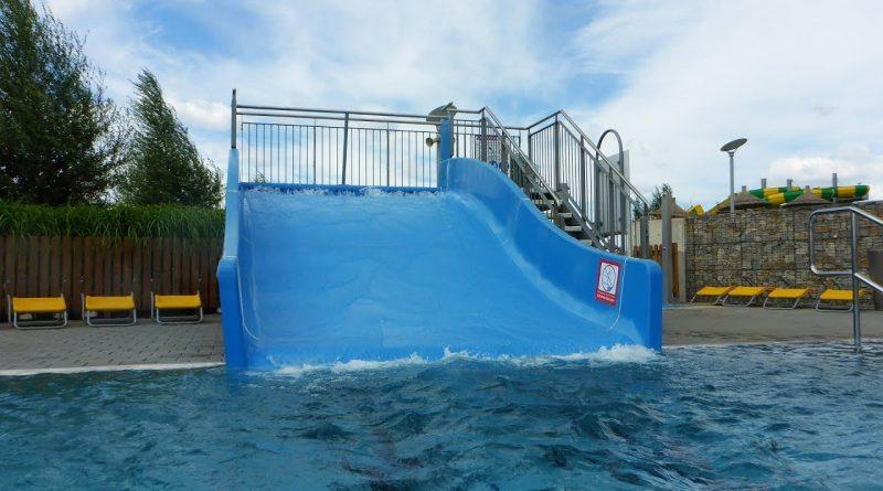 Outdoor-Breitrutsche :: Sommer-Rutsche | Aqualand Moravia Pasohlávky