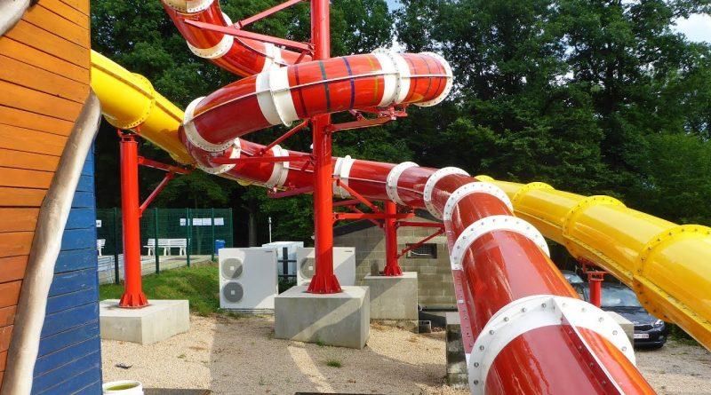 rote Kinder-Röhrenrutsche :: Riesenrutsche | Camping Franceloc L'hirondelle Oteppe [NEU 2017]