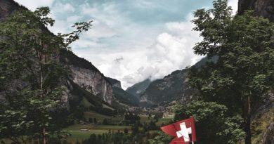 Reiseland Schweiz. Photo by Patrick Hodskins on Unsplash